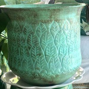 NWT Jumbo Rustic Turquoise Tropical Leaf Metal Pot